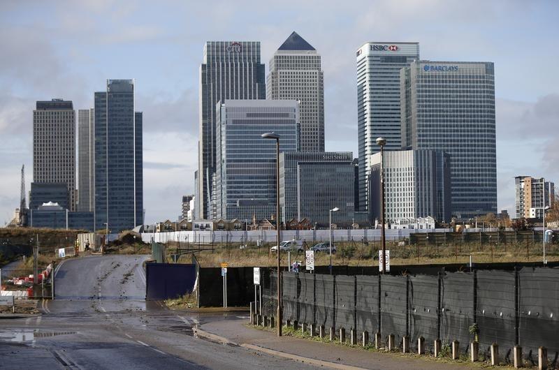 Qatari-led group wins $4 billion battle for Canary Wharf