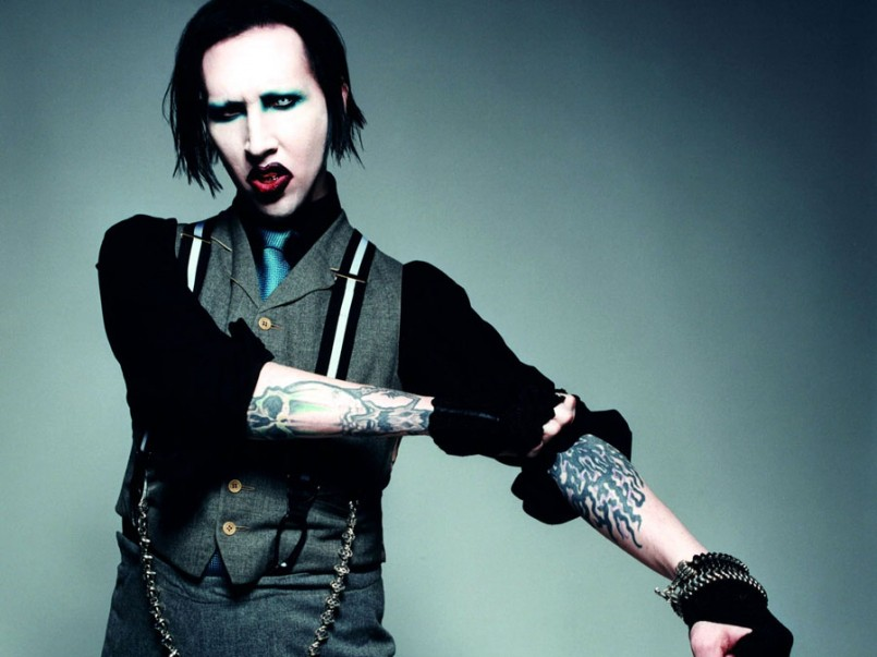 http://moviepilot.com/posts/2014/05/30/marilyn-manson-heading-to-sons-of-anarchy-1460144