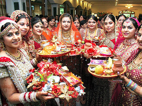 Get Your Wives the best Gifts this Karva Chauth