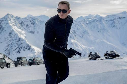 Here's Your First Look at 007 in 'SPECTRE'