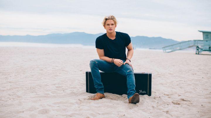 Miley Cyrus designs Cody Simpson's simplistic single artwork