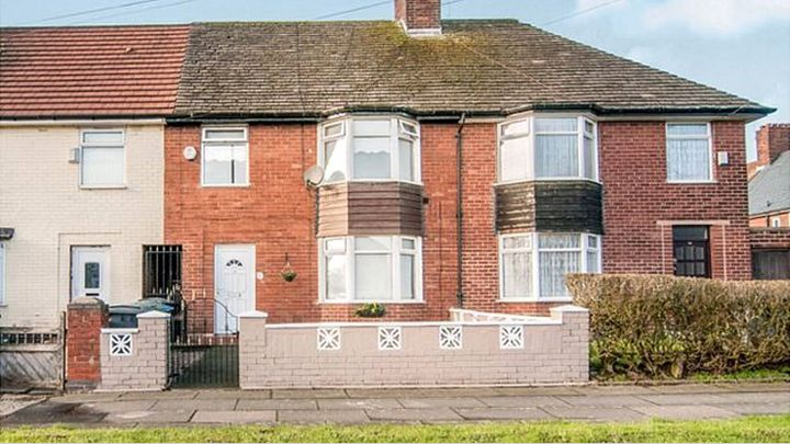 Paul McCartney's childhood home in Liverpool heads for auction