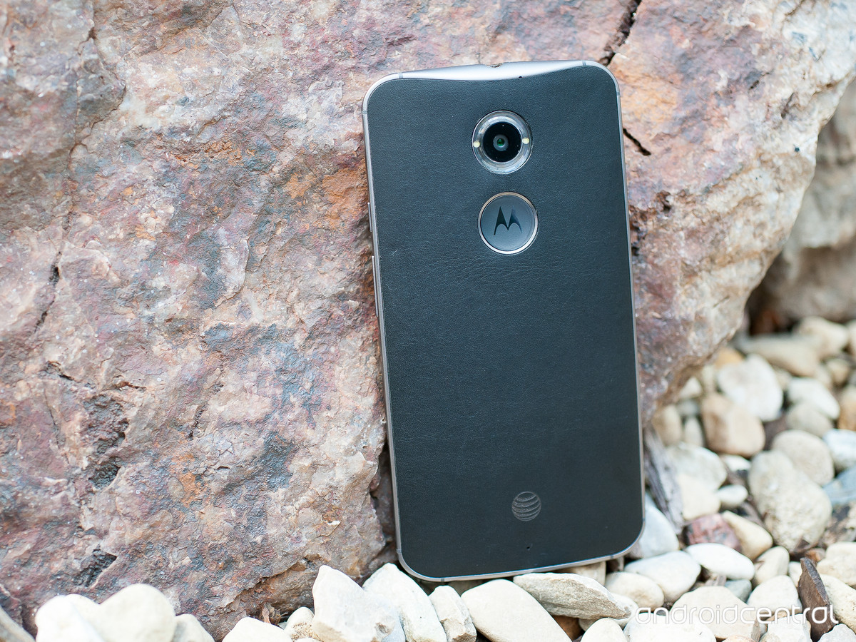 AT&T sends out Lollipop soak test invites for 2014 Moto X