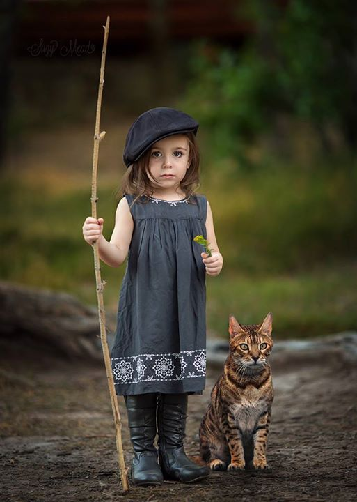 Little princesses and animals: magic photos by Suzy Mead