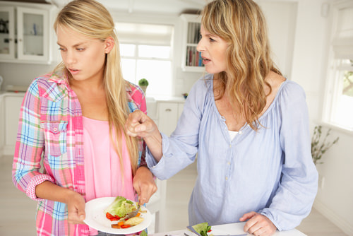 Teens Tend to Overreact to Criticism from Moms According to Recent Brain Research