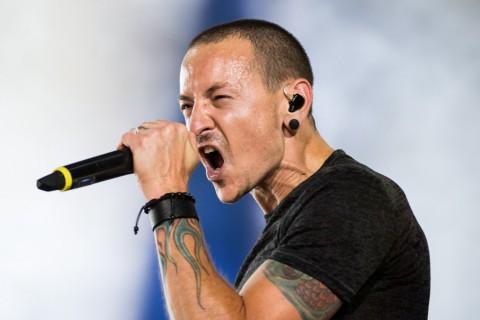 Linkin Park Cancels Tour After Lead Singer Injures Leg