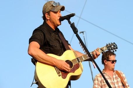Rodney Atkins Charity Concert Will Benefit Oklahoma Tornado Victims