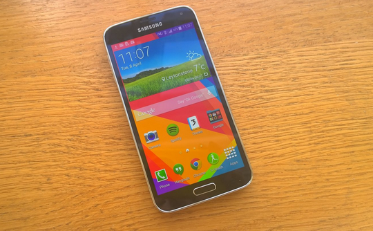 New camera flash and heart rate sensor placement for the Samsung Galaxy S6