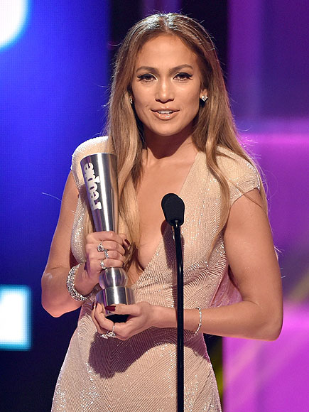 Jennifer Lopez at the PEOPLE Magazine Awards, Wins Triple Threat Award