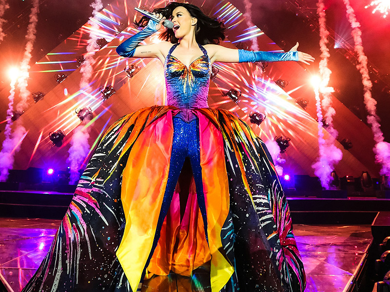 Katy Perry to Headline Super Bowl Halftime Show