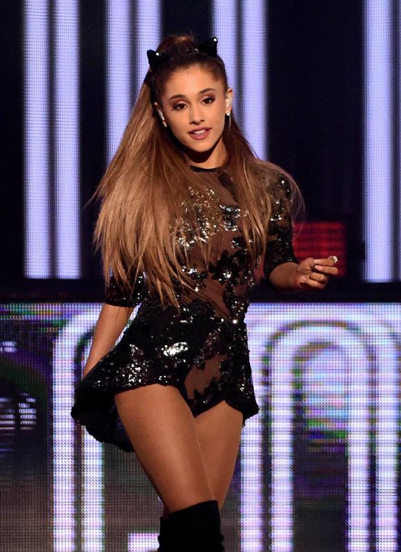 Ariana Grande Ridic Rumor: Is She Getting a Boob Job for Big Sean?