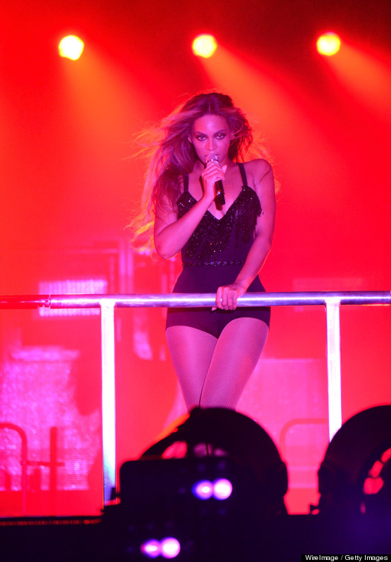 Beyonce Bares Butt In Cut-Out Bodysuit For On The Run Tour