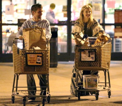 Kate Hudson and Matthew Bellamy All Smiles While Grocery Shopping, Continue to be the Friendliest Exes Ever