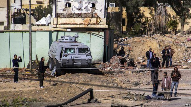 На місці одного з нападів в Аль-Аріші, фото 30 січня 2015 року