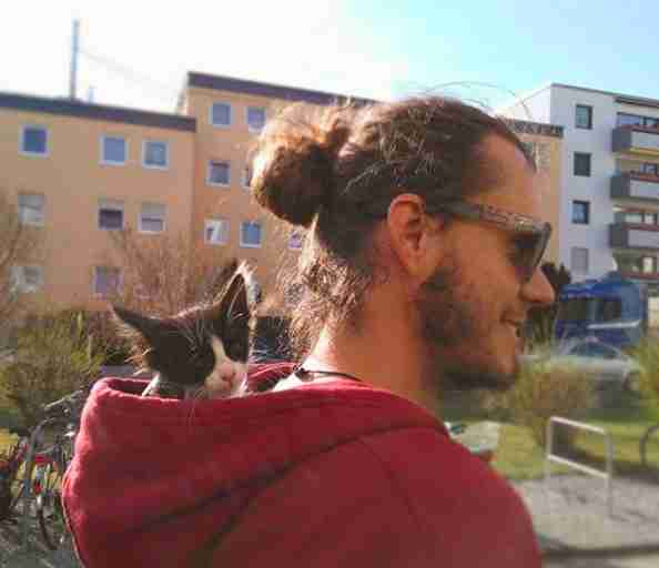 Martin Klauka travels with his cat Mogli