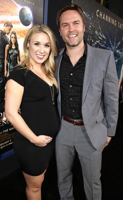 Scott Porter's Wife Kelsey Mayfield Is Pregnant