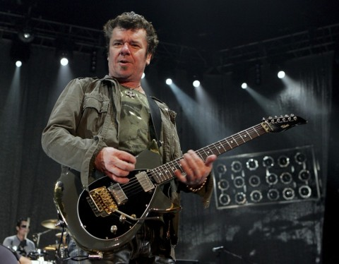 INXS Guitarist Loses Finger in Boating Accident