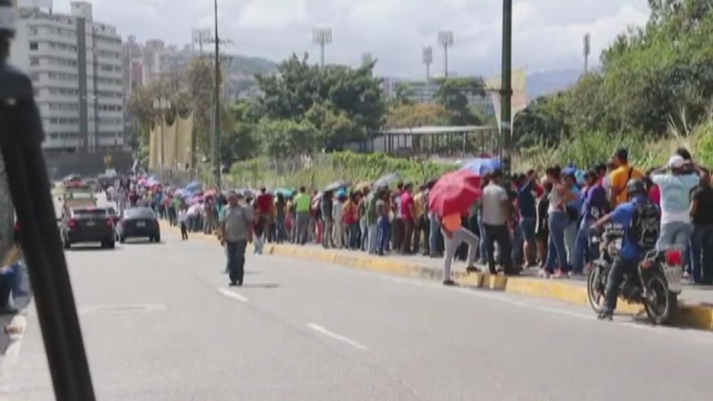 Venezuelans face long lines for basics