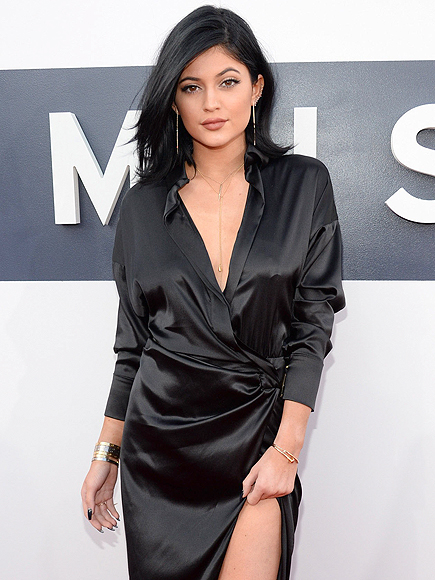 Kylie Jenner Shoots Down Rumors That She Dropped Out of School