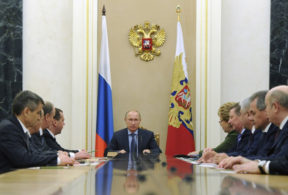 Russia to Retaliate Against the US Over Sanctions, Troops and Warheads Ready